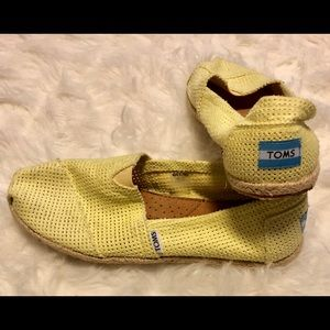 TOMS perforated espadrille flat